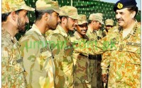 Good picture of ARMY chief and Jawans